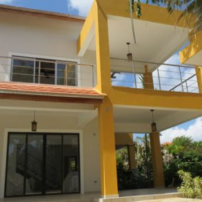 Gorgeous large villa with ocean views – Sosua Realty
