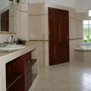 Lovely villa in popular gated community