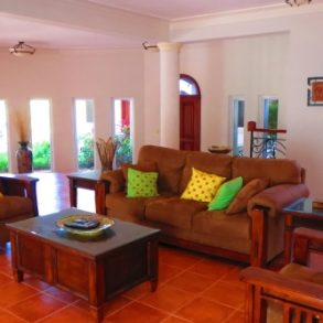 Magnificent beachfront villa with good rental income