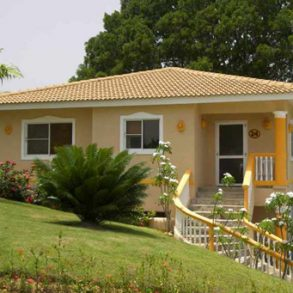 Spectacular ocean view villa in gated community