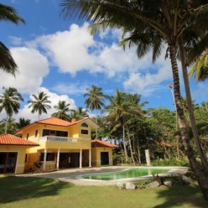 Beautifully designed beachfront Villa – Cabarete Realty