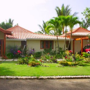Beautiful Balinese Style Villa with 4 bedrooms