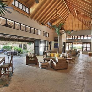 Magnificent beachfront villa in prestigious location – Cabarete
