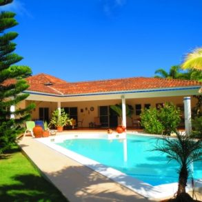 Spacious family villa in great location – Cabarete