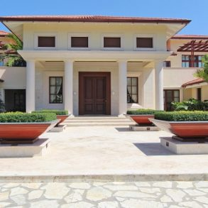 Exclusive Caribbean home in a prestigious beachfront community