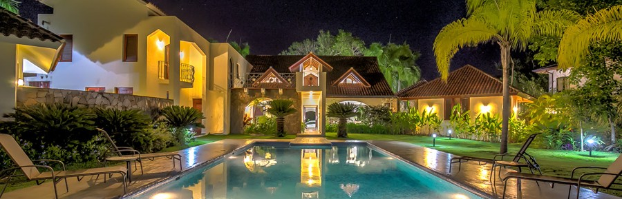 Gorgeous two storey villa with six bedrooms – Million Dollar Homes