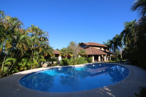 Captivating Magnificent Residence In Popular Gated Community