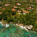 Luxurious ocean front villa in select community